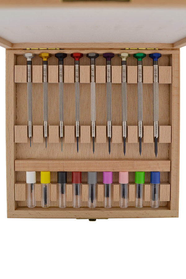 VOH 9-Piece Screwdriver Set in Wooden Case
