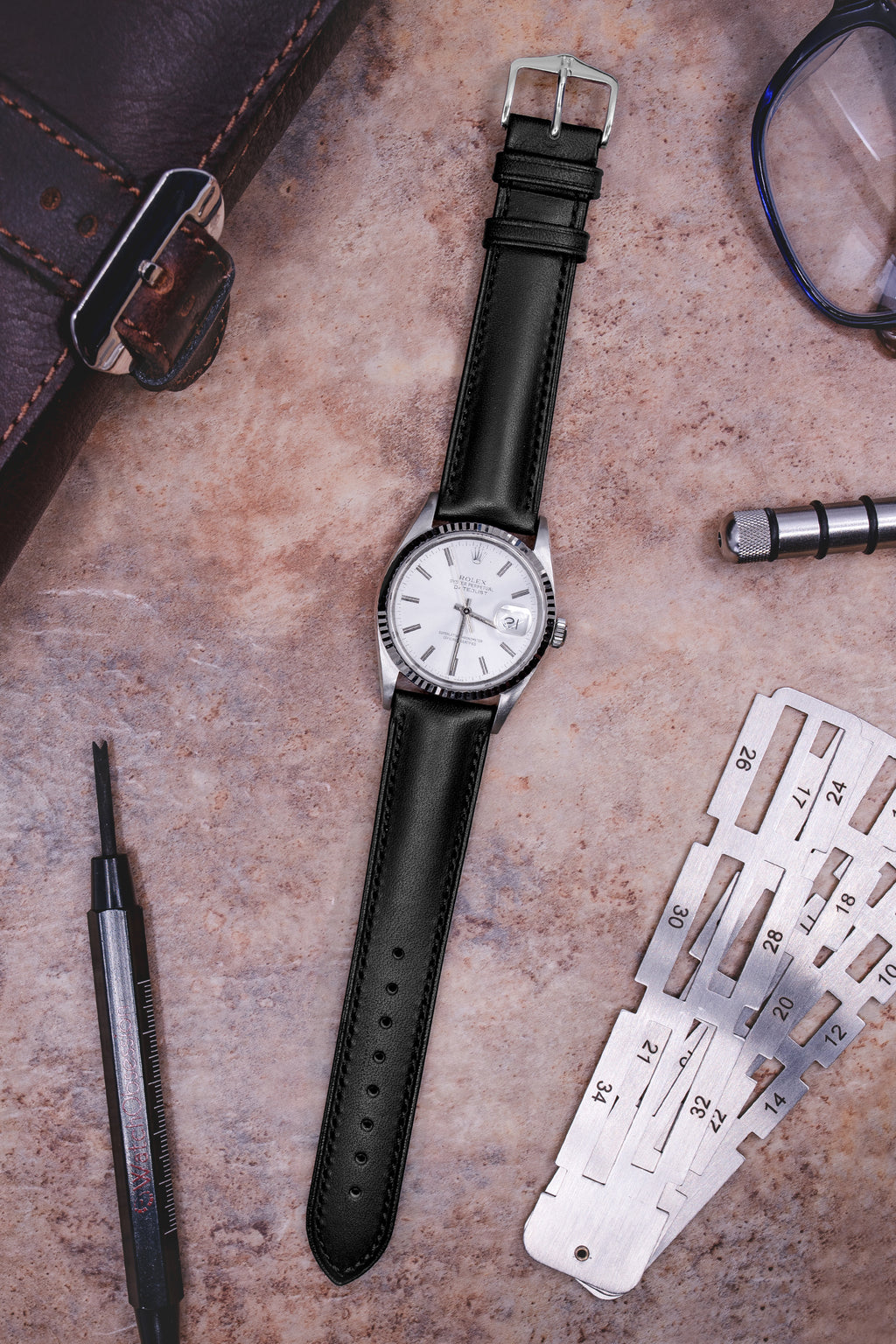 Hirsch KENT Textured Natural Leather Watch Strap in BLACK