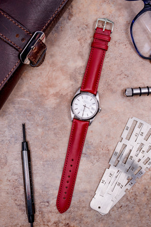 Hirsch KENT Textured Natural Leather Watch Strap in RED