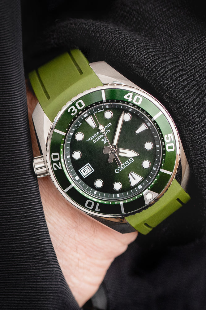 Load image into Gallery viewer, Crafter Blue Rubber Watch Strap for Seiko Sumo in Green (Promo Photo)