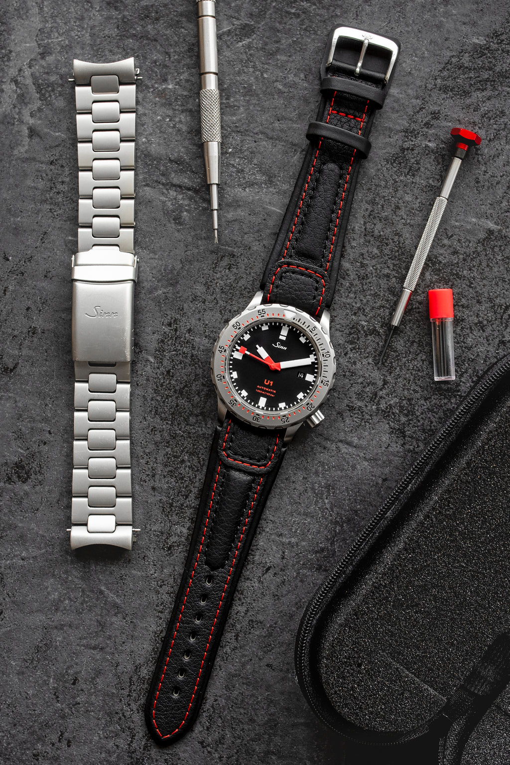 Di-Modell CHRONISSIMO Waterproof Leather Watch Strap in BLACK / RED