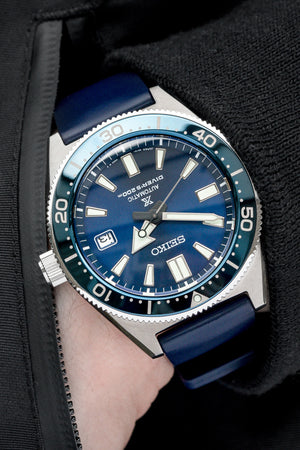 Load image into Gallery viewer, Hirsch Pure Natural Caoutchouc Rubber Diving Watch Strap in Blue (Promo Photo Wrist Shot)