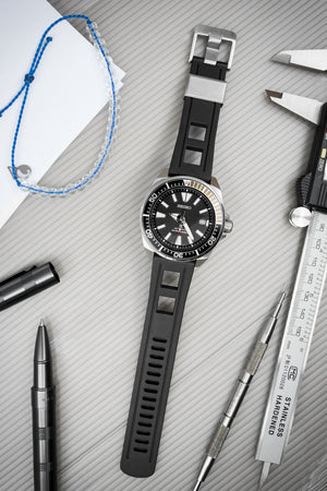 Crafter Blue Universal 22mm Watch Strap for Professional Dive Watch in Black (Promo Photo)