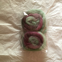 Load image into Gallery viewer, Midnight Kale mini Woollie Buns