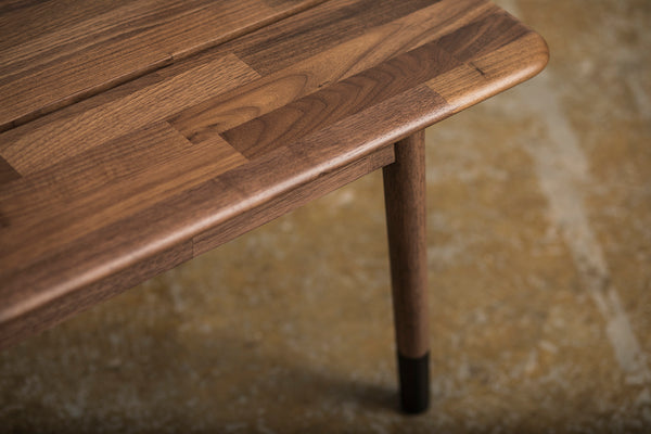 Plank Bench Walnut with Black Sock