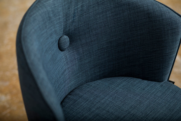 Button Dressing Chair