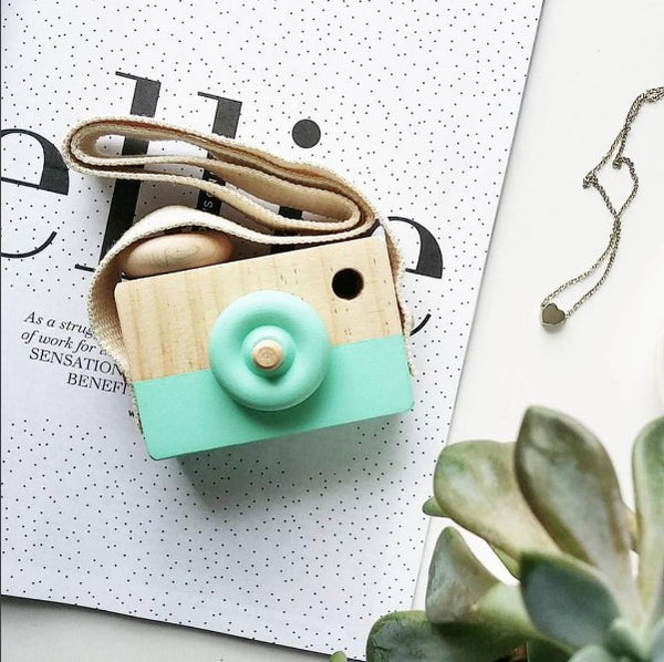 MINT FRESH - WOODEN TOY CAMERA