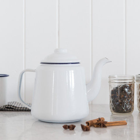 FALCON Teapot - White with Blue rim (accept pre-order)