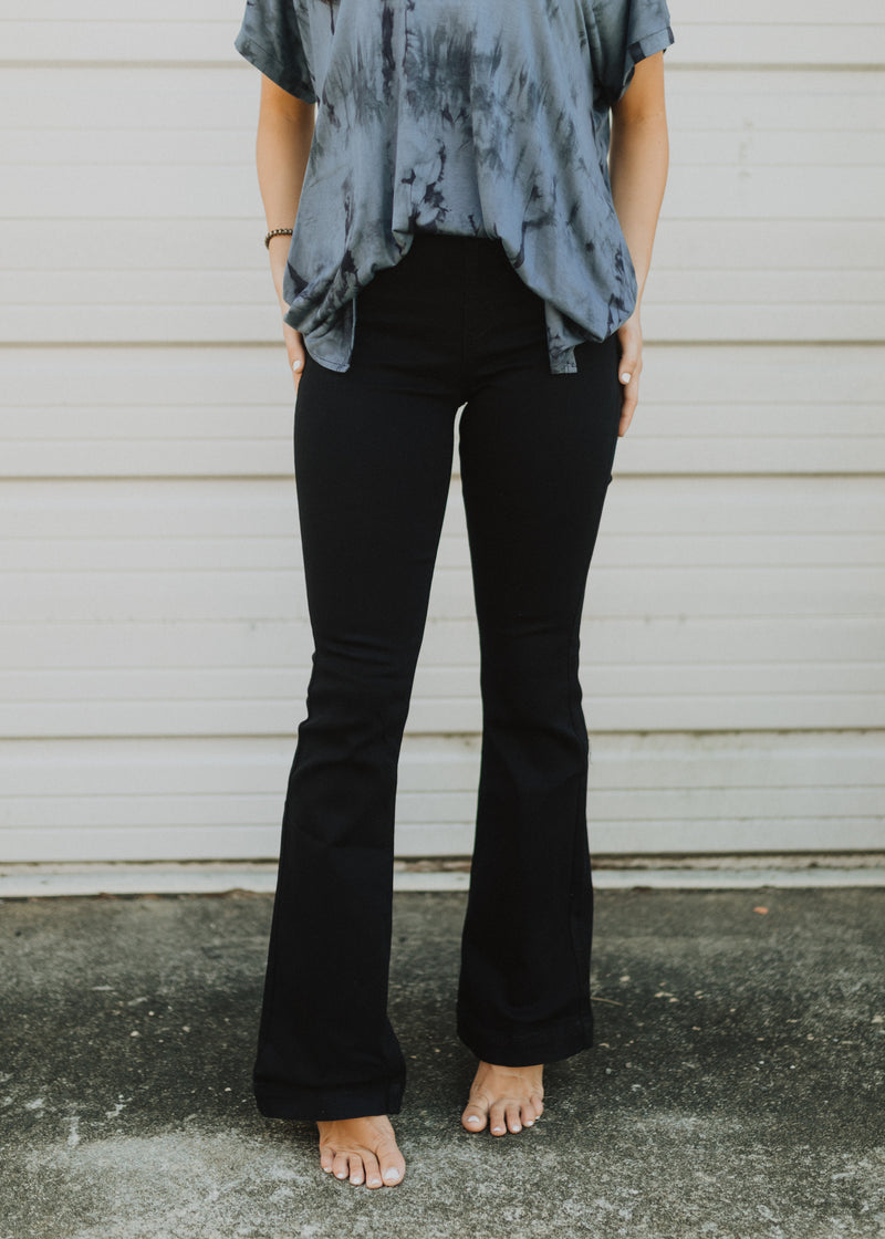 Black Mid-Rise Flared Jeggings - 30""
