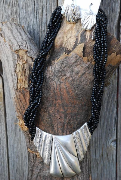 Black Beaded Necklace With Chrome Plate