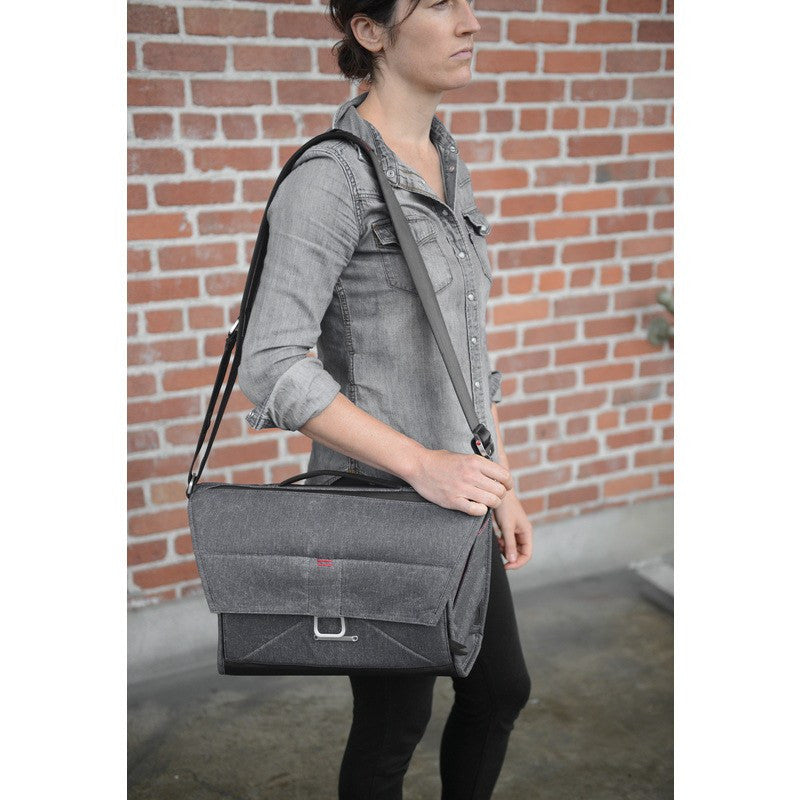 Peak Design The Everyday Messenger | Charcoal BS-BL-1