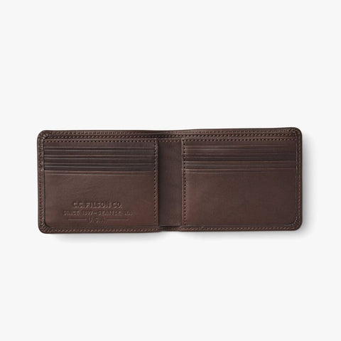 Filson Men's Outfitter Wallet | One Size