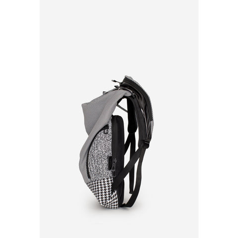Cote&Ciel Timsah White Noise Backpack | Black/White