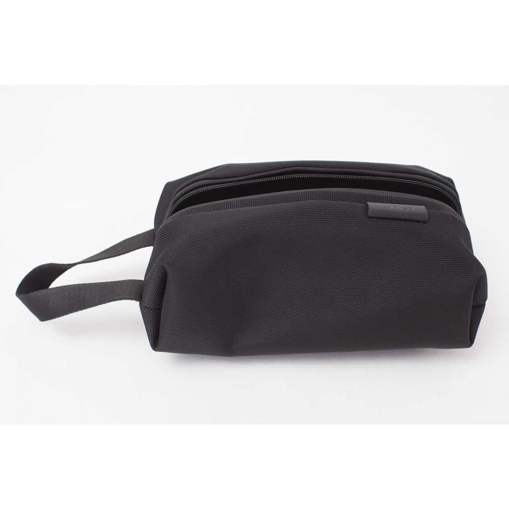 Cote&Ciel Como Dopp Kit | Ballistic Black --Small 28779