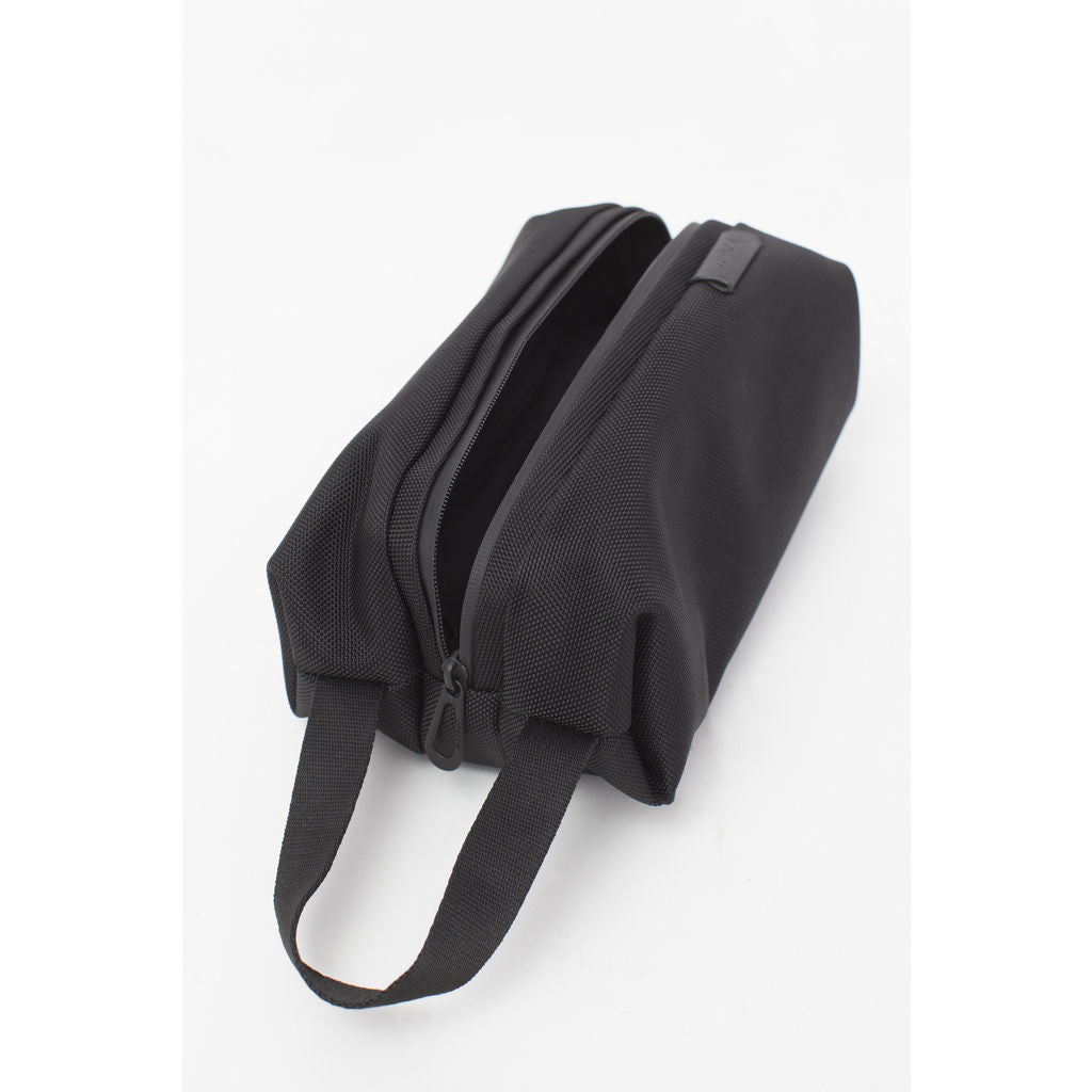 Cote&Ciel Como Dopp Kit | Ballistic Black --Small 28776