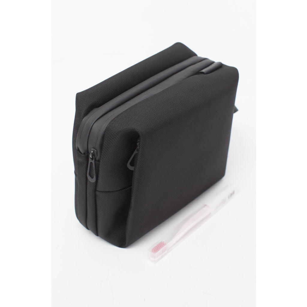 Cote&Ciel Como Dopp Kit | Ballistic Black  --Medium 28782