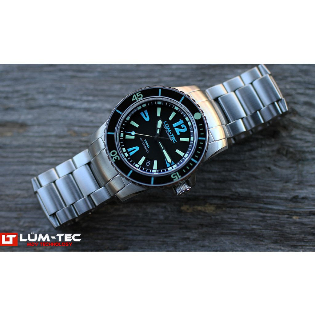 Lum-Tec 300M-4 Watch | Steel Strap