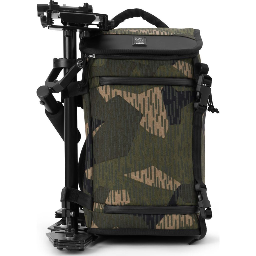 Chrome Niko Messenger Bag | Camo