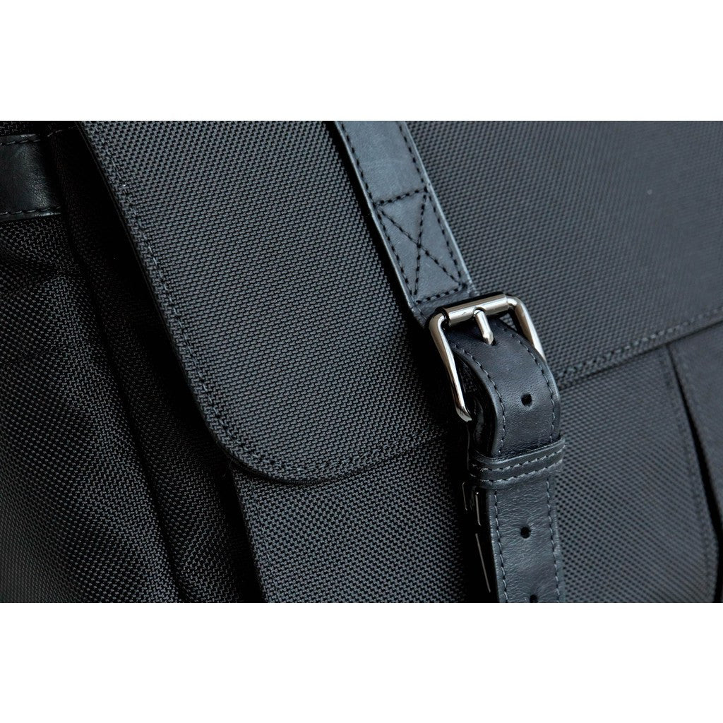 ONA Brixton Camera Messenger Bag | Black Nylon ONA013NYL