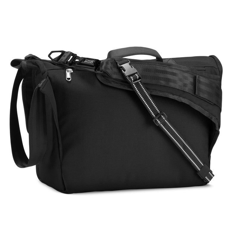 Chrome Buran Messenger Bag | Black/Black/Black