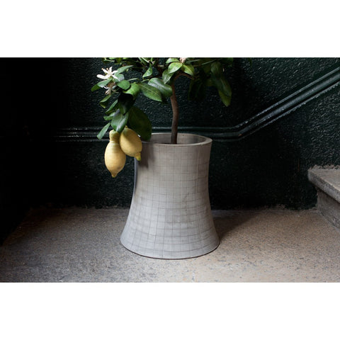 Lyon Beton Nuclear Plant Flower Pot Large | Light Grey DB09106.3