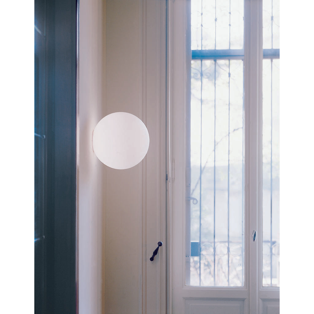 Artemide 14 Wall/Ceiling Lamp | White