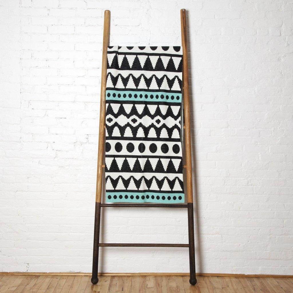 in2green Elements Eco Throw | Black/Seafoam BL01E14