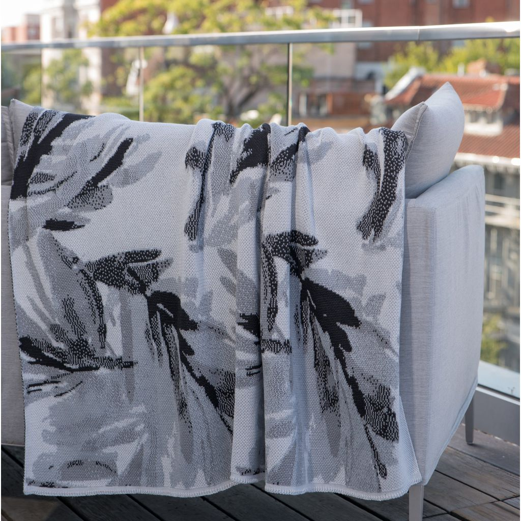 in2green Stacy Garcia Poly Brushstroke Throw | Black/Stone/Storm SG-POLY-TC1