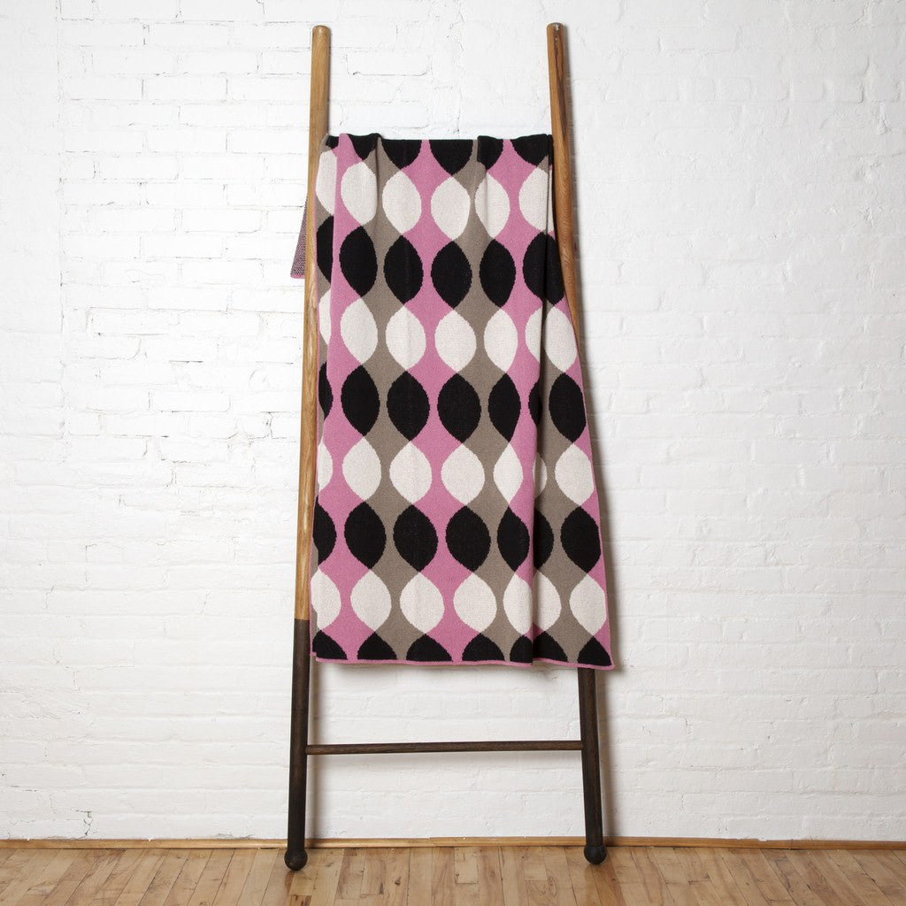 in2green Helix Eco Throw | Pink/Black/Hemp BL01HX1