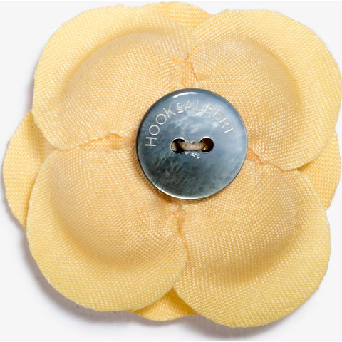 Hook & Albert Lighthouse Large Buttercup Lapel Flower | Yellow LFBSL15F-YLW-OS