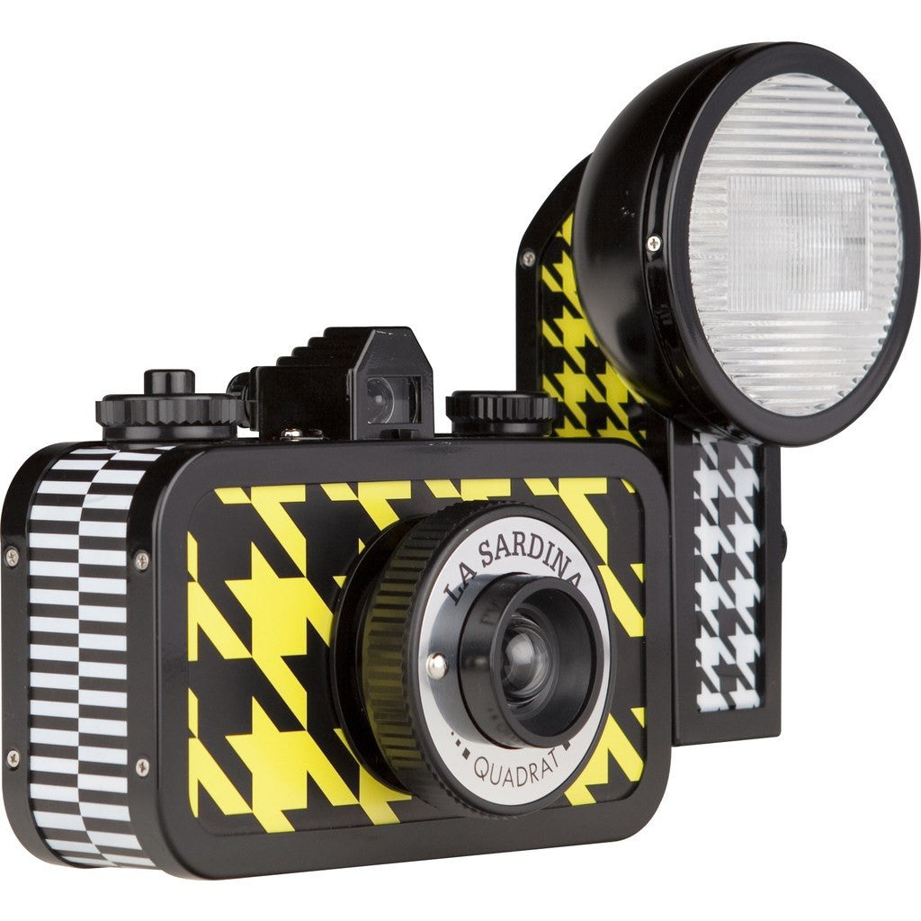 Lomography La Sardina & Flash Quadrat Camera | Yellow/Black SP200QD