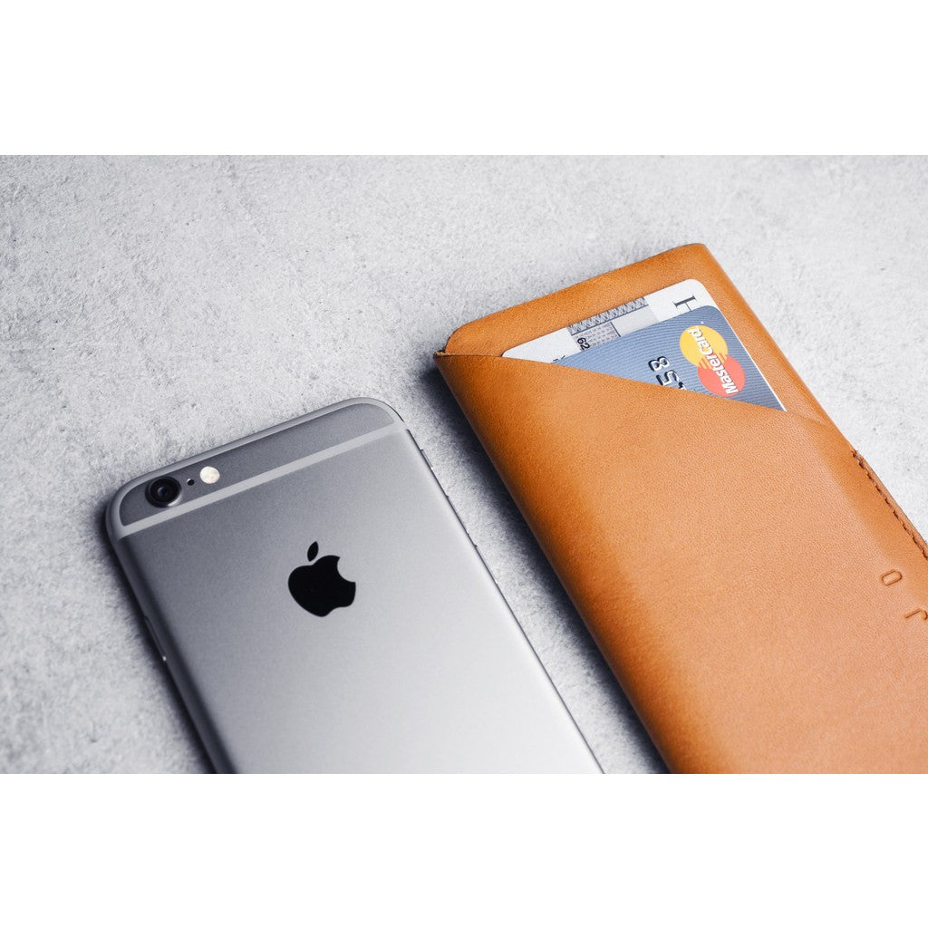 Mujjo Leather Wallet Sleeve for iPhone 6(s) | Tan MUJJO-SL-066-TN