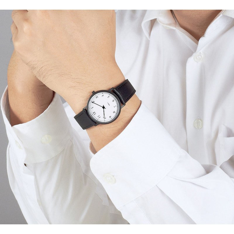 Projects Watches Bodoni Watch | Black/Black