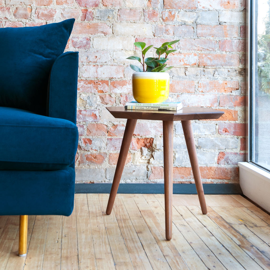 Gus* Modern Metric End Table | Walnut ECETMETR-wn