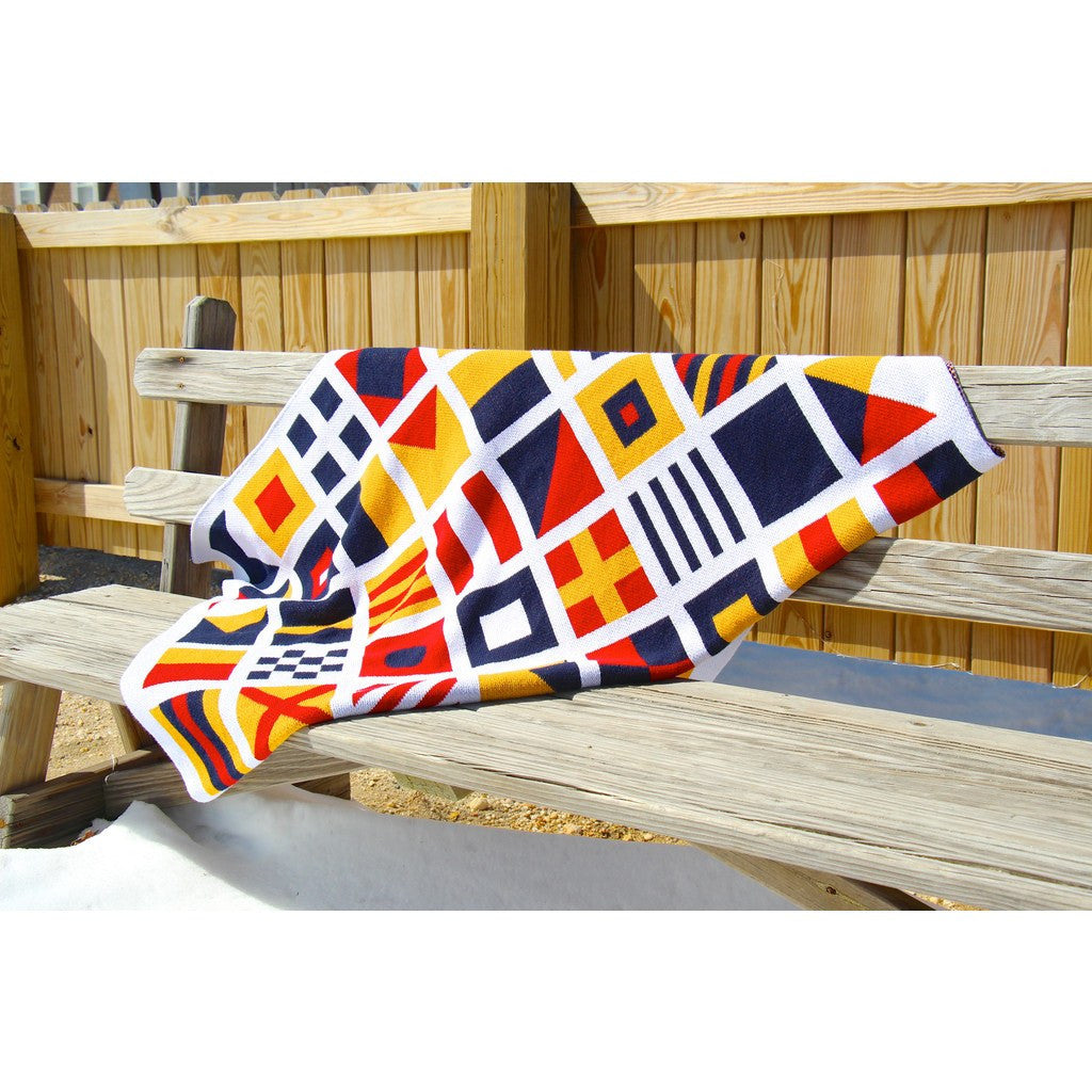 in2green Nautical Eco Throw | Signal Flags BL01NF3