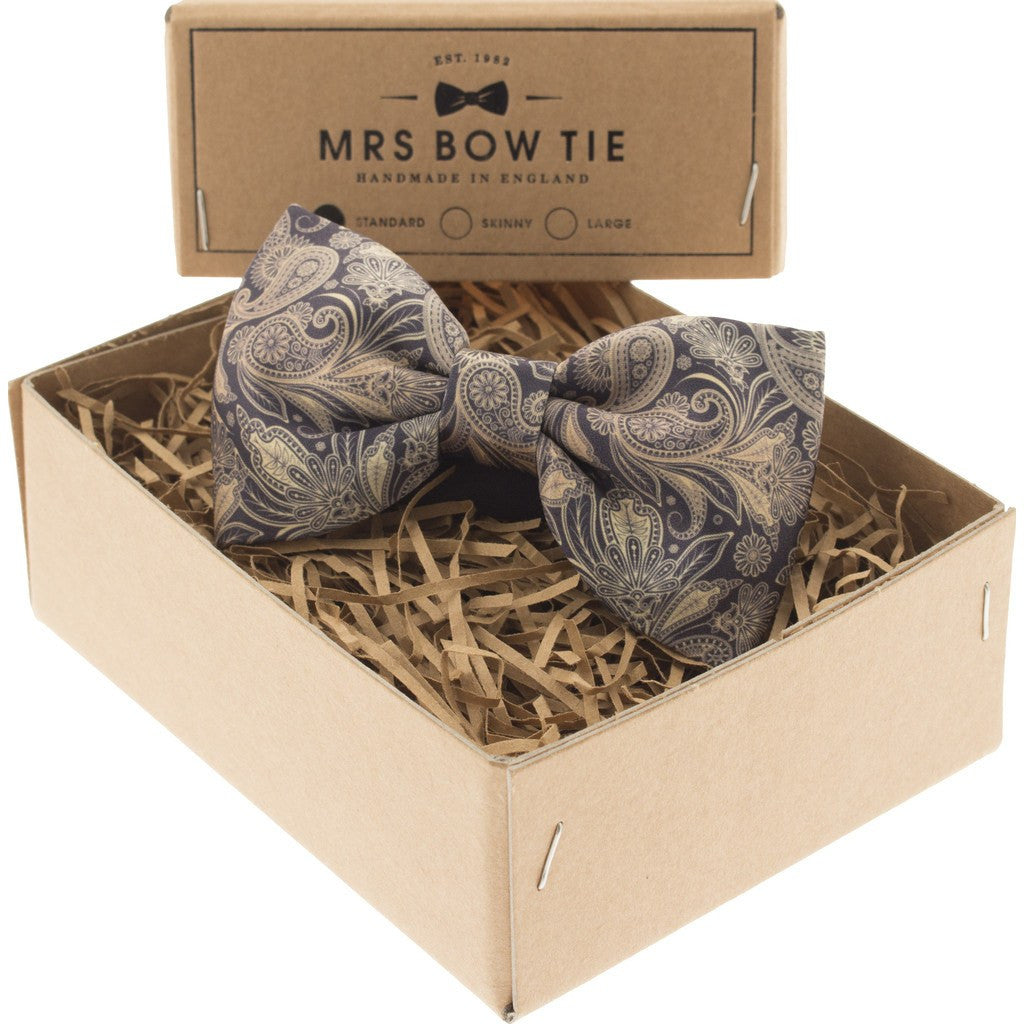 Mrs Bow Tie Audley Ready-Tied Bow Tie | Gold PAIS133