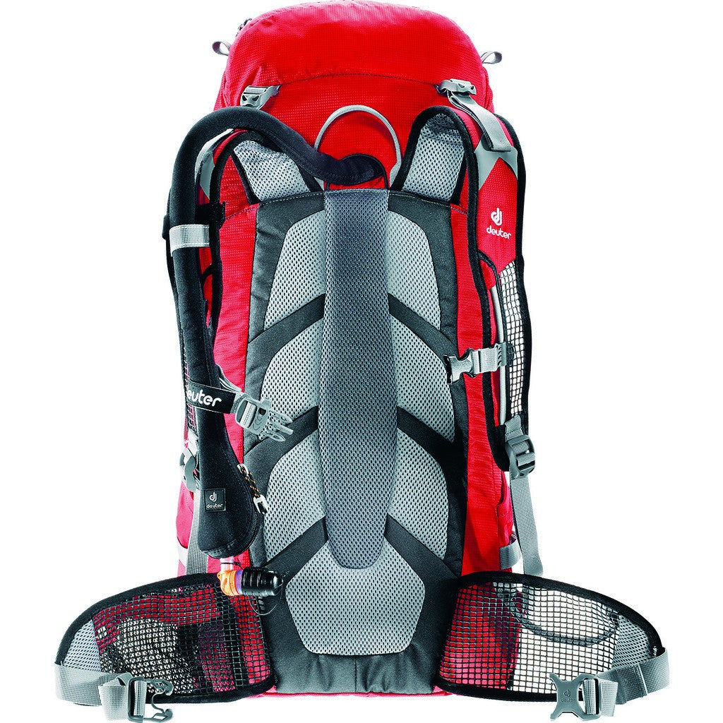 Deuter Pace 30L Lighweight Backpack | Black/Papaya 3300315 72020