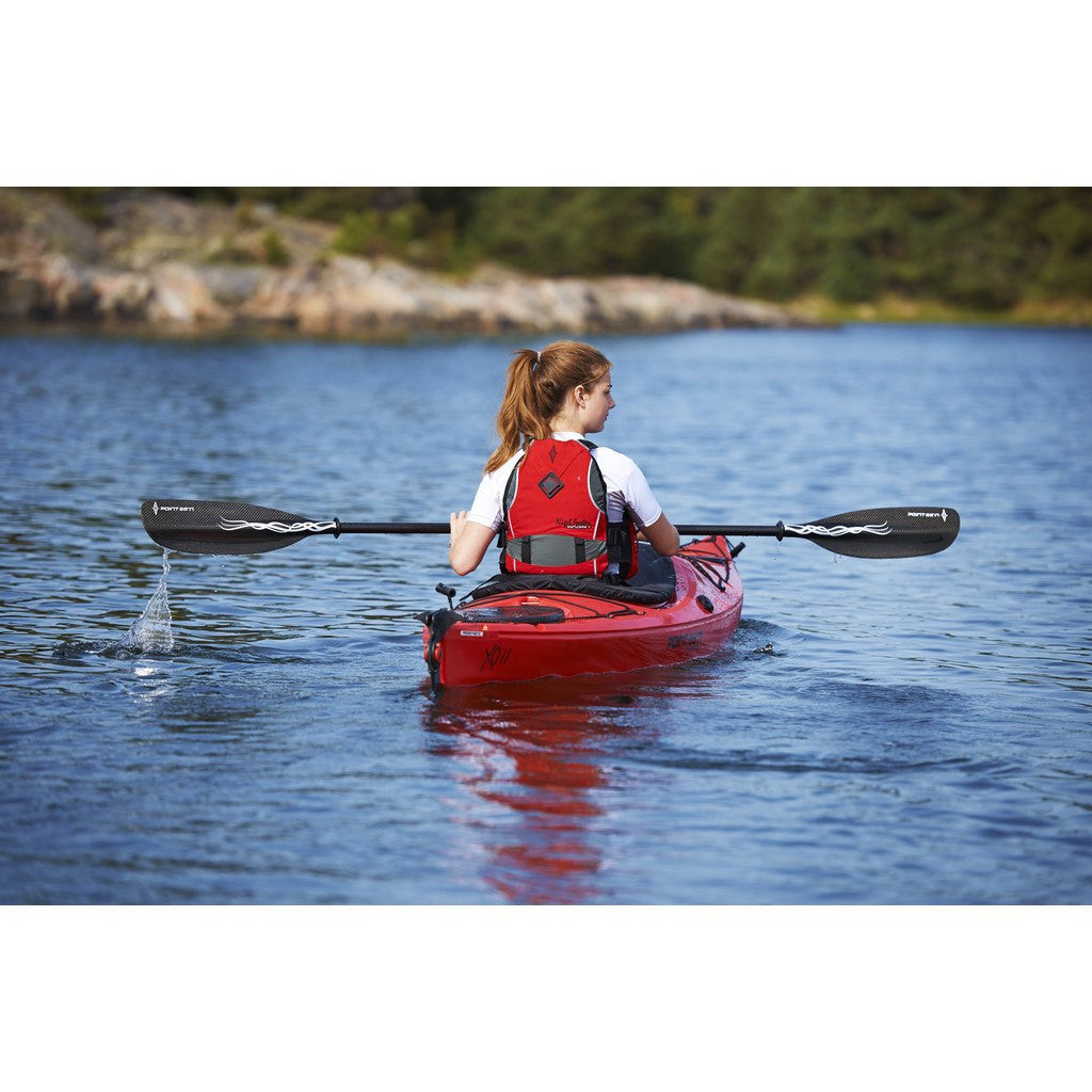 Point 65 XO11 GTE Skeg Kayak | White/Blue
