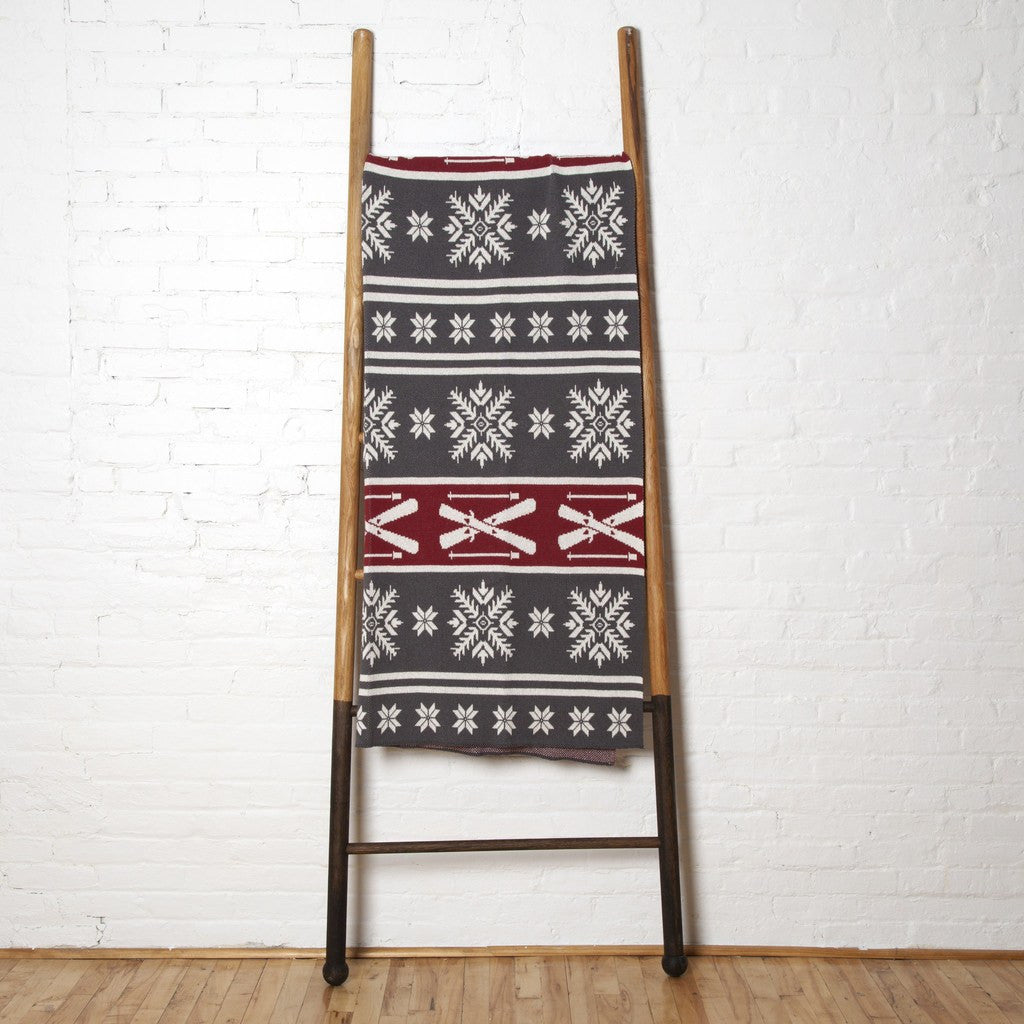 in2green Fair Isle with Skis Eco Throw | Smoke/Pomegranate BL01FA4