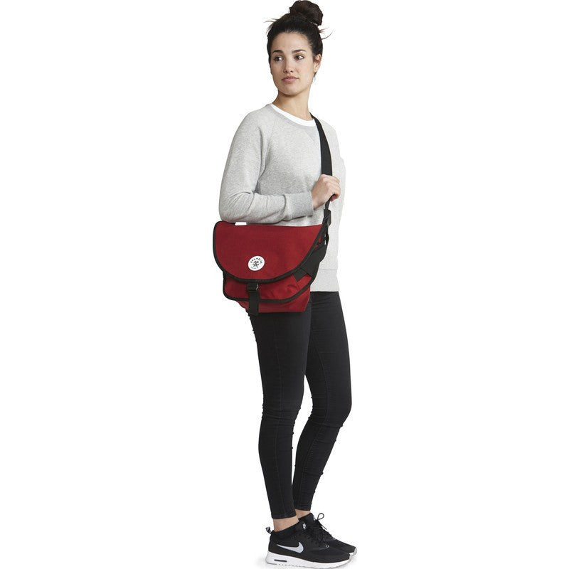 Crumpler Quarfie Shoulder Bag | Claret QFR003-R08G40