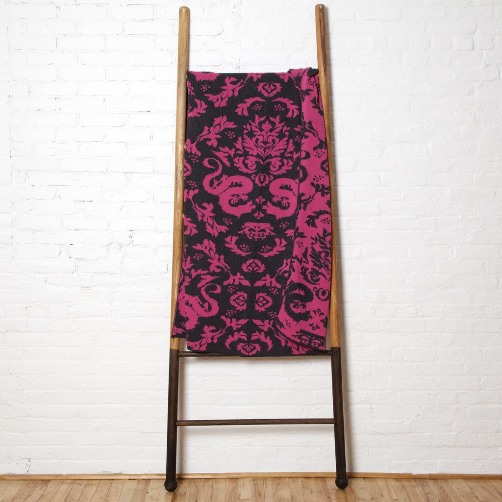 in2green Dragons Reversible Eco Throw | Fuchsia/Smoke BL02RD3