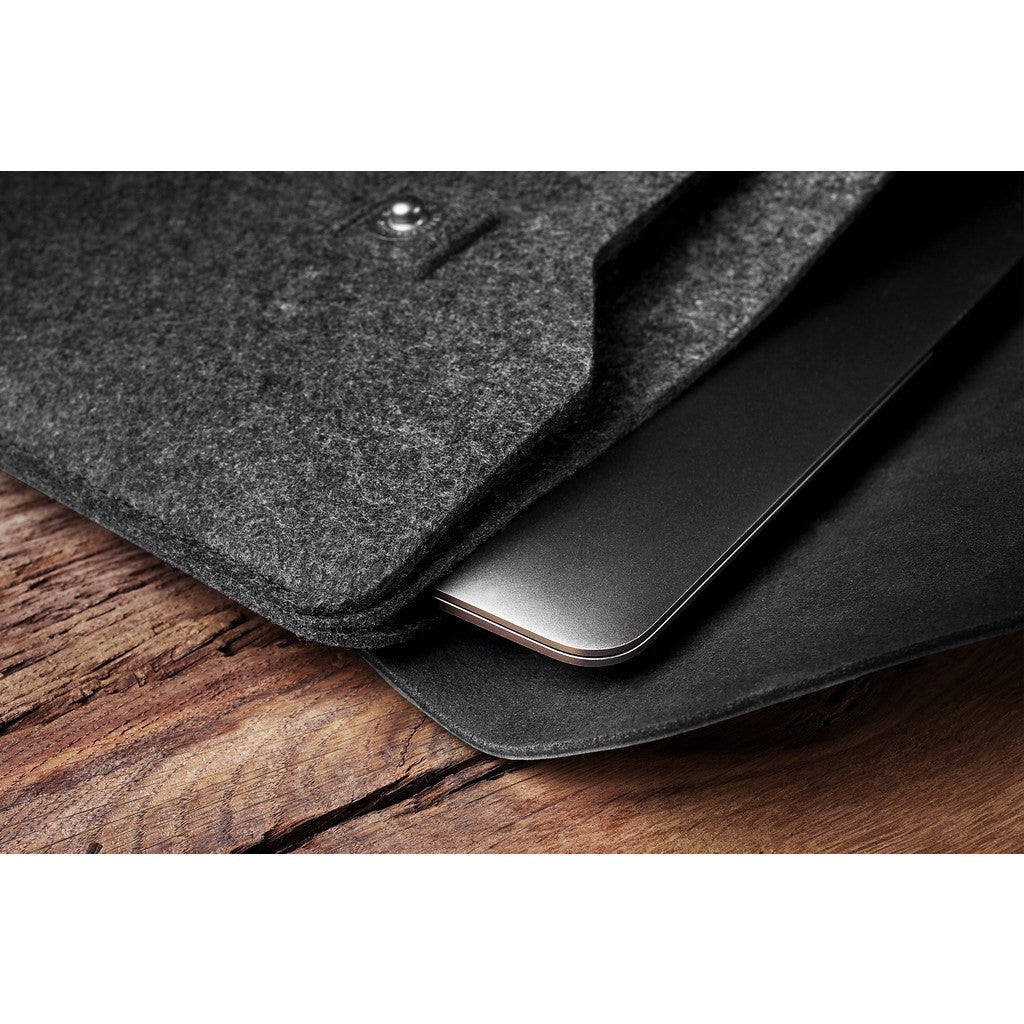 "Mujjo Sleeve for the 12"" Macbook 