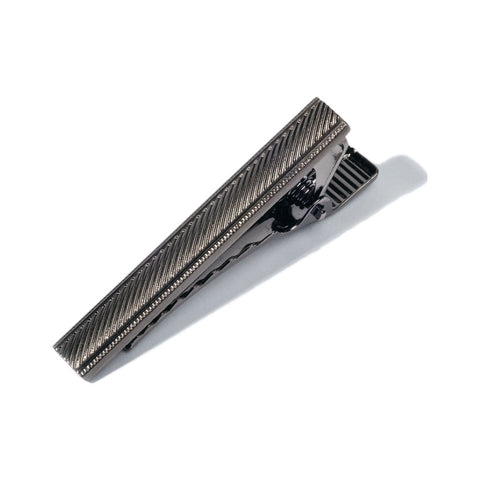 Hook & Albert Stripe Etched Tie Bar | Gunmetal