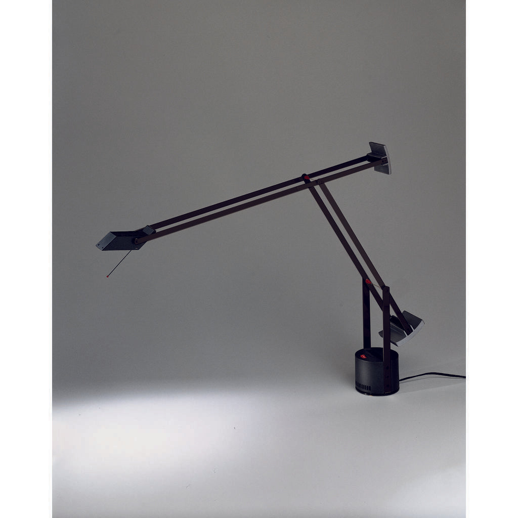 Artemide Tizio Table Lamp | Black