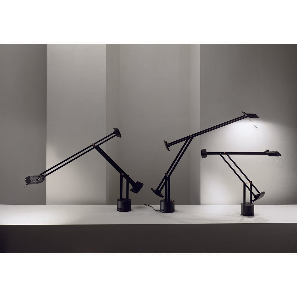 Artemide Tizio Table Lamp In Black Sportique