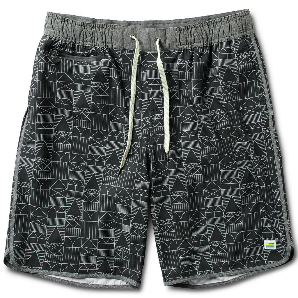 Vuori Banks Shorts | Charcoal Encinitas House V330