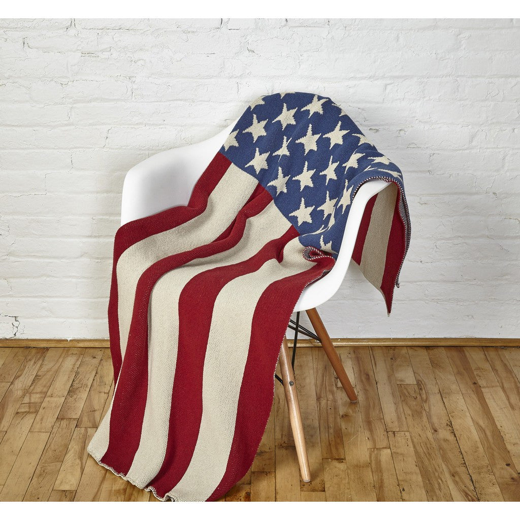 in2green Vintage American Flag Eco Throw | Red/White/Blue BL01AF2