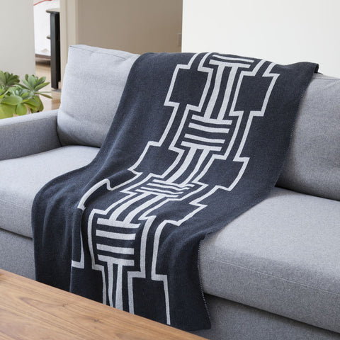 Stacy Garcia Illusions Eco Throw | Black/Aluminum- SG-IL04