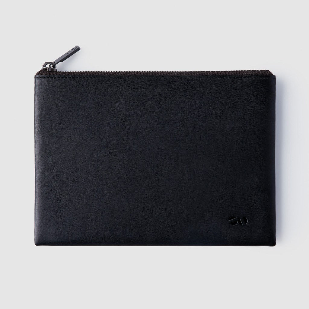Octovo Medium Leather Pouch | Black W01-019-BLK