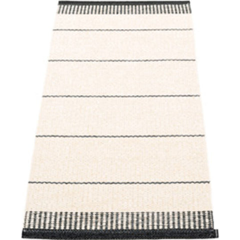 Pappelina Belle Woven Plastic Washable Rug With Double Folded Hemmed Edge